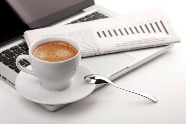 foodie-news-coffee-laptop