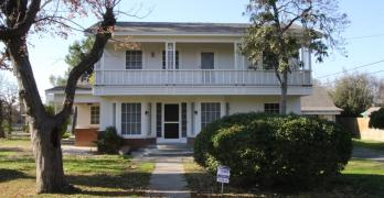 1819 N Fruit Ave, Fresno, CA 93705