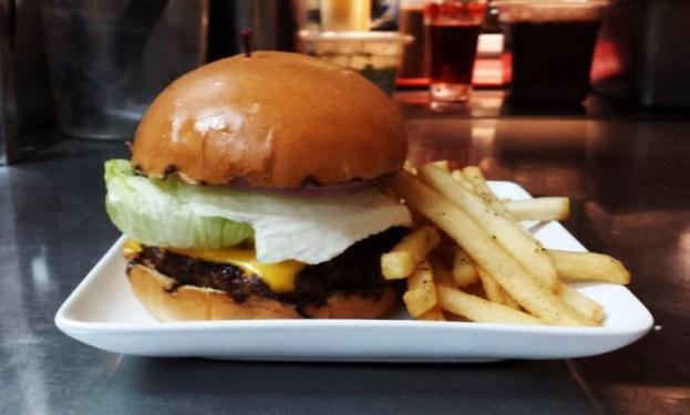 starving-artists burger