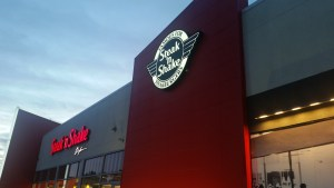 Popular Midwest Burger Joint Steak 'n Shake Now Open in Fresno