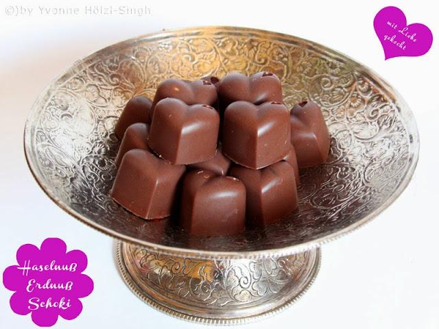 Vegane Schokolade - dunkle Haselnuss Erdnuss Schokolade - Freude am Kochen vegan