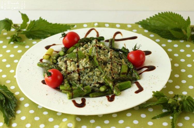 Brennnessel Risotto mit gebratenem grünen Spargel - vegan - Freude am Kochen - Wildkräuter