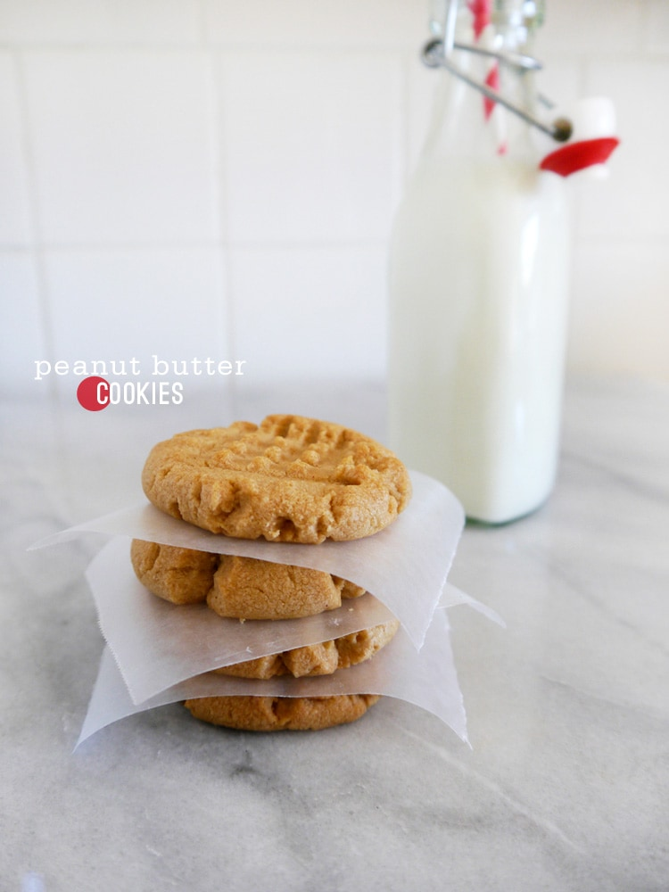 Peanut-Butter-Cookies-by-Freutcake