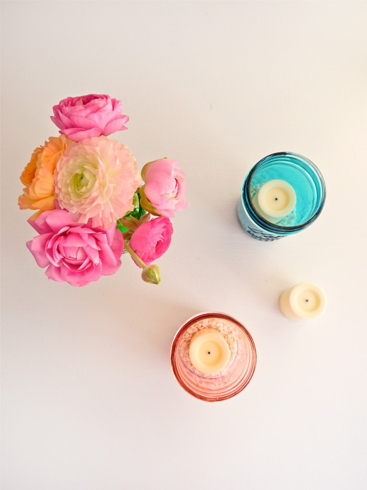 DIY-Colored-Glass-Mason-Jars-Freutcake-1