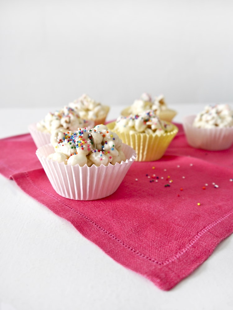 Cake Batter Popcorn With Marshmallows