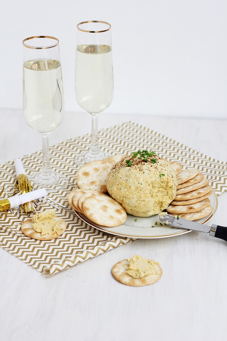 Cheery Cheddar Garlic Cheese Ball