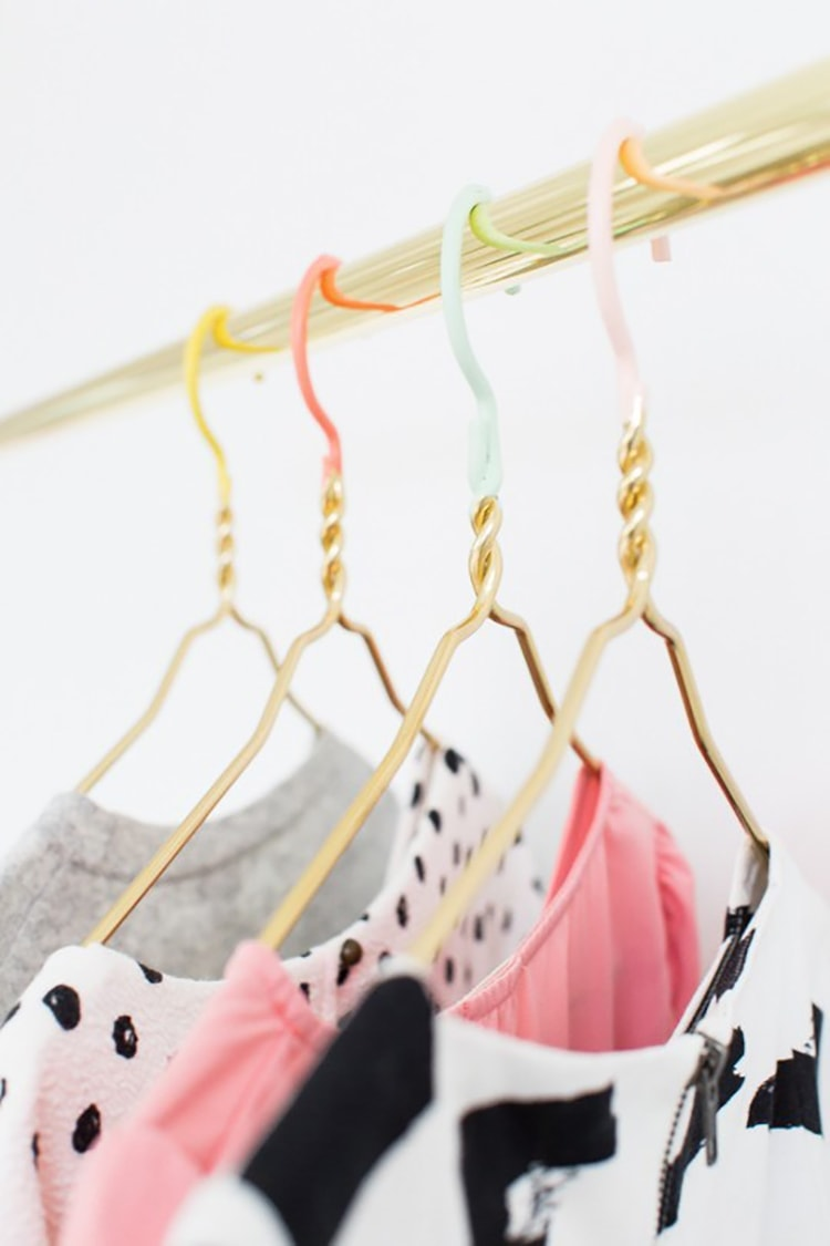 DIY-colored-dipped-hangers