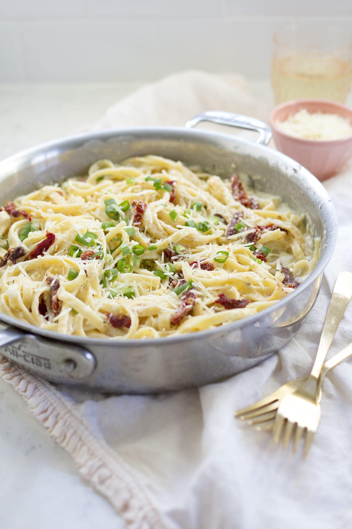 Fettuccine Alfredo with Sun-dried Tomatoes and Scallions