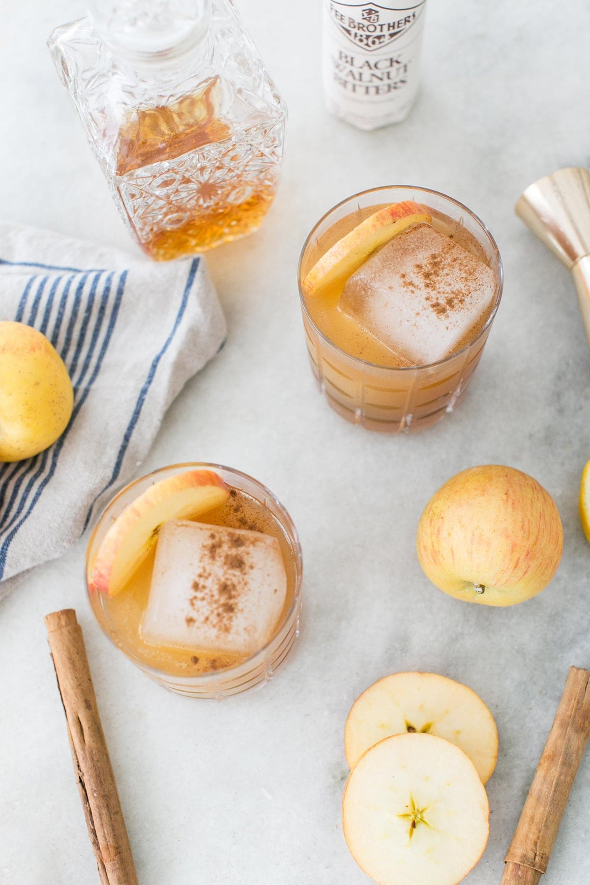 Apples and Tequila Cocktail