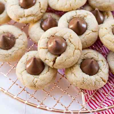 Peanut Butter Blossom Cookies + Leinenkugel's Berry Weiss