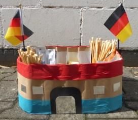 FRICKELclub_EM_Fußball_Snackstadion_Tetra Pak_Kinder_Recycling_basteln_DIY_Offenbach (22)