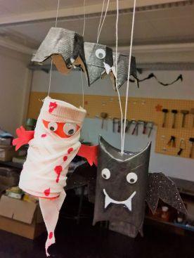 Gruneliusschule_Frankfurt_externe AG_FRICKELclub_Halloween_Recycling_Basteln (8)