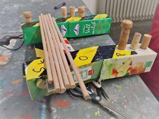 FRICKELclub_Recycling_Basteln_AG_Kinder_Gruneliusschule_Monster_Geheimverstecke_Bastelaktion (16)