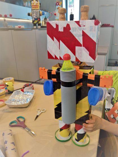 FRICKELclub_Recycling_Geburtstagsbasteln_Roboter (18)