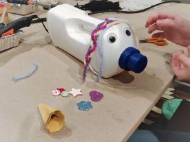 FRICKELclub_privater_Upcycling_Workshop_Spardosentiere_Waschmittelflaschen (11)