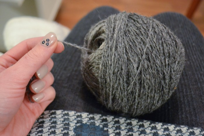center-pulled ball of yarn