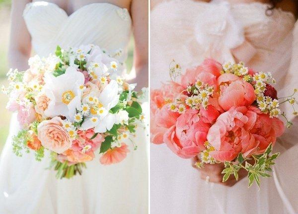 Aufregende Brautstrue mit Gnseblmchen Pfingstrosen und Gartenrosen  Friedatherescom