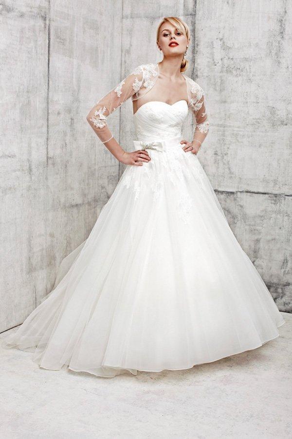 Brautmode von Benjamin Roberts