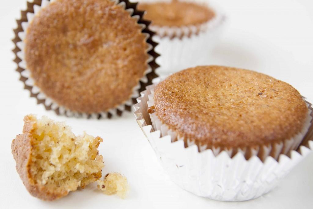 Søte, deilige appelsin-marsipanmuffins med smak av hasselnøtter