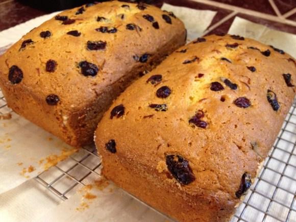 Cranberry Orange Amish Friendship Bread ♥ http://www.friendshipbreadkitchen.com/cranberry-orange-amish-friendship-bread/