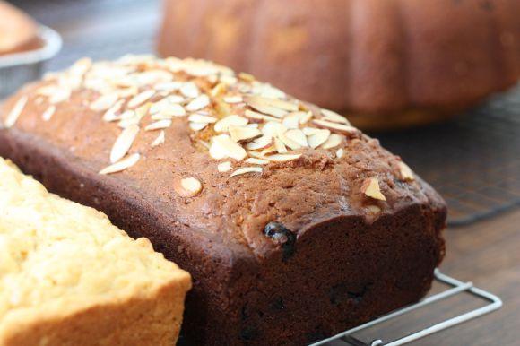 Cherry Almond Amish Friendship Bread ♥ friendshipbreadkitchen.com