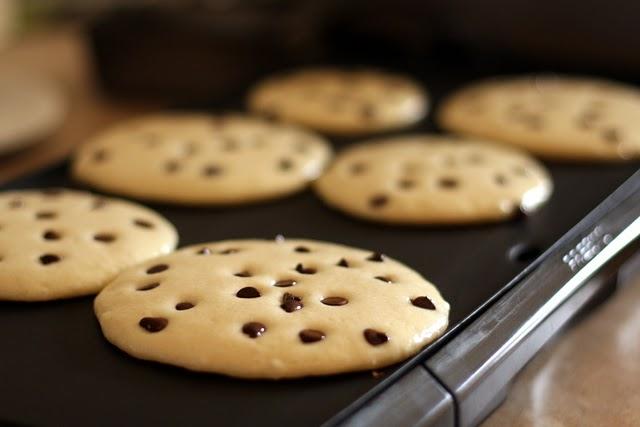 Chocolate Chip Amish Friendship Bread Pancake Recipe by Mary Pilcher ♥ friendshipbreadkitchen.com