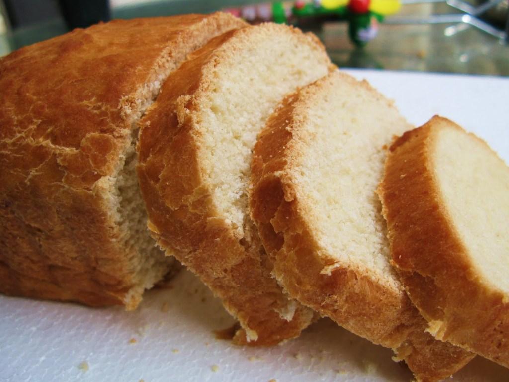Sweet White Amish Friendship Bread ♥ friendshipbreadkitchen.com