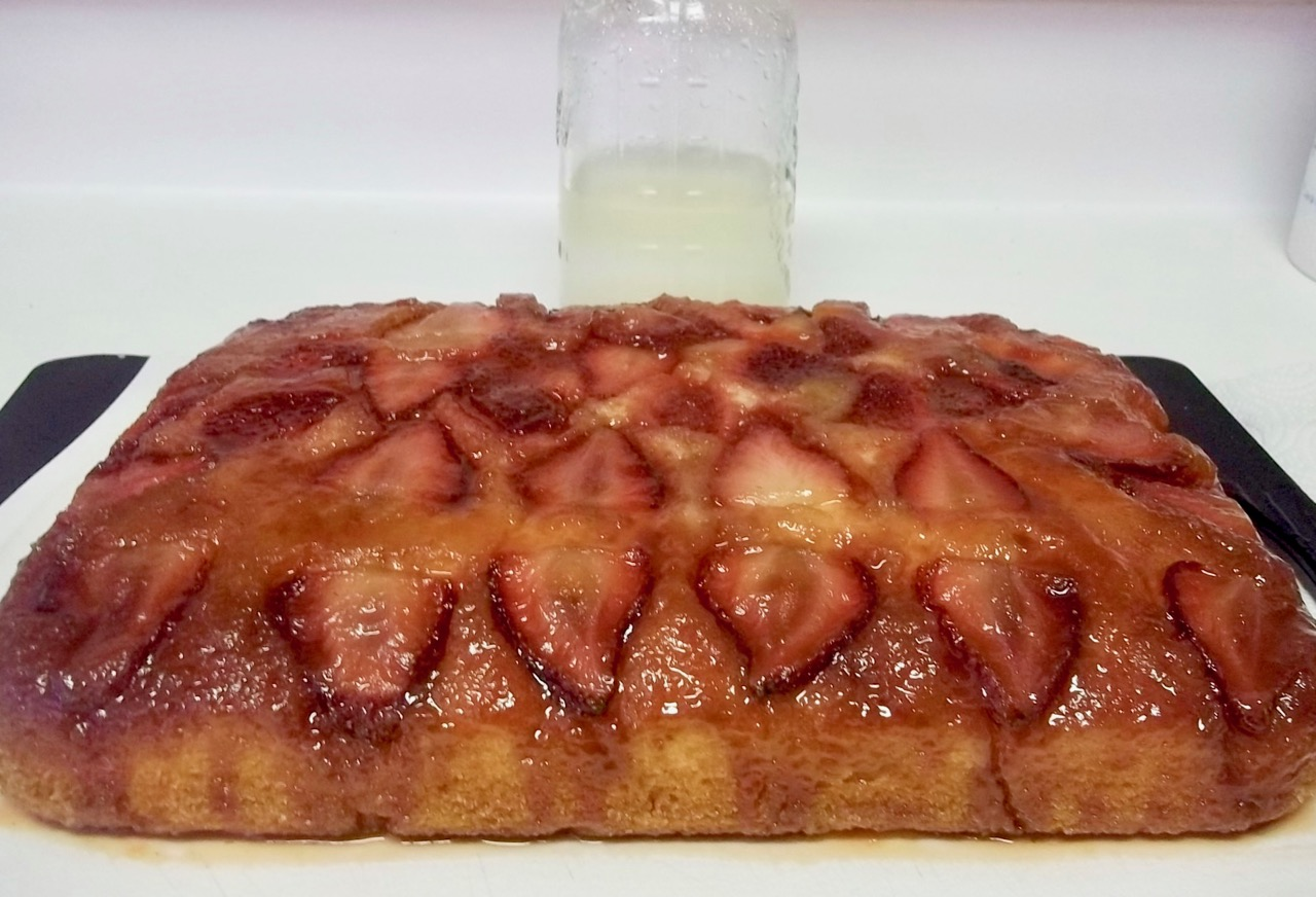 Potato Flake Strawberry Upside Down Amish Friendship Bread Cake by Tina Flanders | friendshipbreadkitchen.com