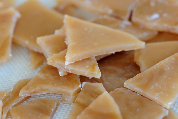 Toffee Bits by Christie Vanover of Zestuous | friendshipbreadkitchen.com