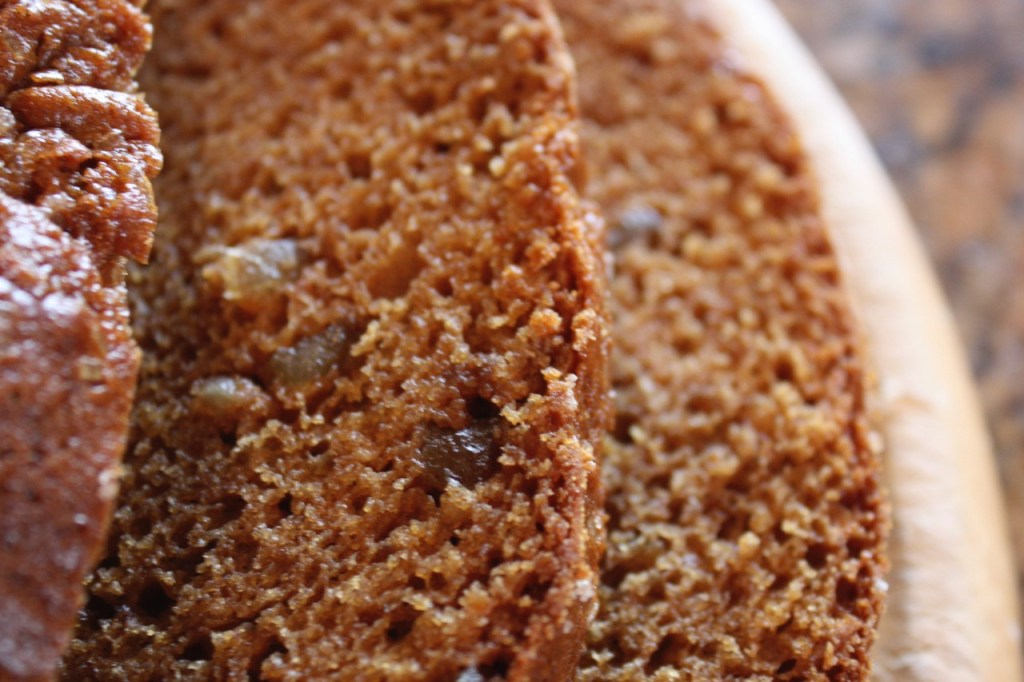 Gingerbread Amish Friendship Bread ♥ friendshipbreadkitchen.com