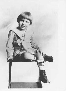 Richard Nixon age 3 (1916)