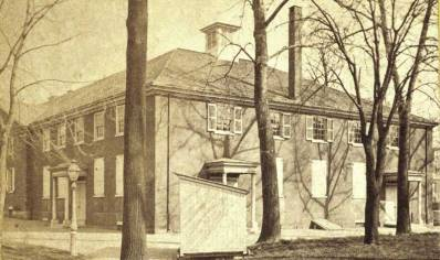 Arch Street Friends Meetinghouse in the late 19th century.