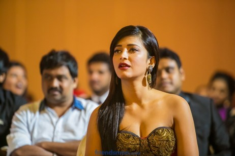 Shruti Hassan Photos from Siima Awards 2013