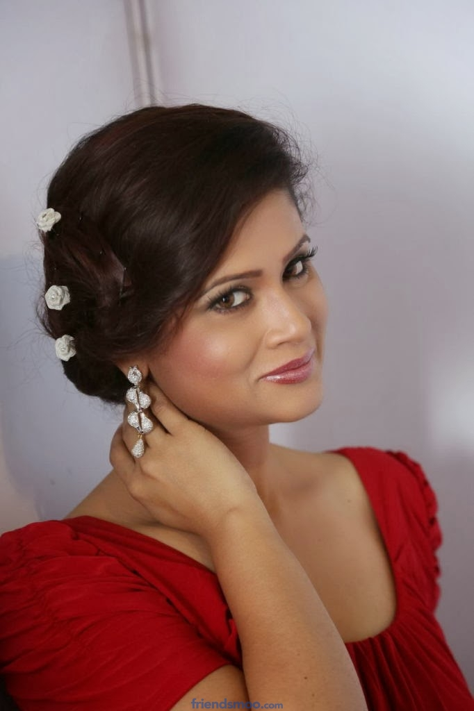 Anchor Shilpa Chakravarthy Latest Photos in Red Dress