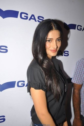 Cute Shruti Hassan Unseen, Sexy and Random Photos