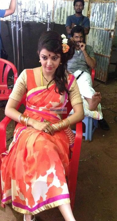Kajal Aggarwal Unseen Pic in Saree in the Set of Upcoming Movie.