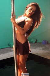 Poonam Pandey Nasha Movie Latest Hot Photos - Friendsmoo (3)