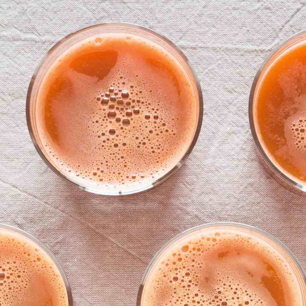 Carrot and Ginger Juice - No Juicer Required. Gluten-free, vegan, allergy-friendly, seasonal