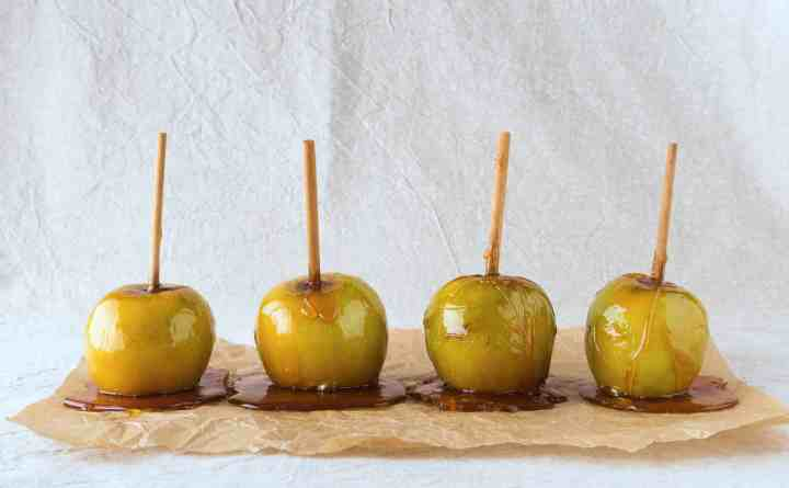 Vegan Toffee Apples - ready to eat.
