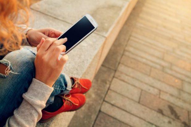 2 de cada 5 españoles cambian de móvil más de una vez al año