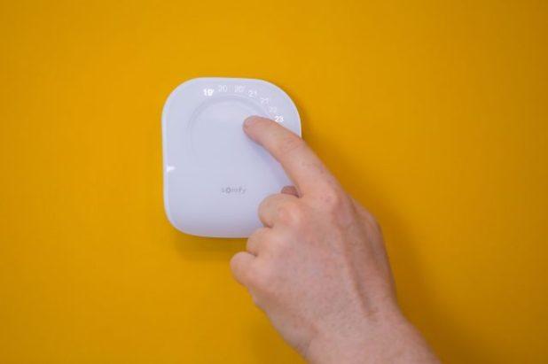 Somfy presenta su termostato conectado en España