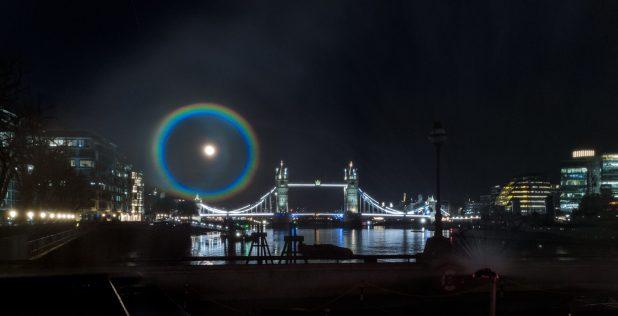 OnePlus ilumina el cielo nocturno con el primerarcoíris lunarfotografiado por la familia OnePlus 9