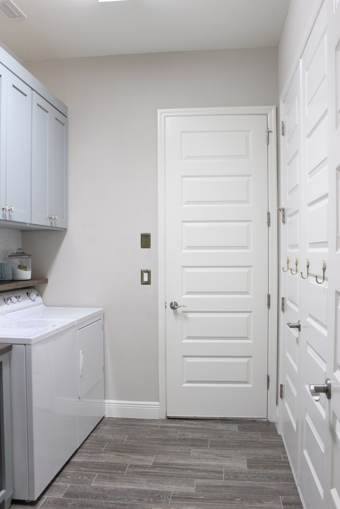 laundry room-diy-painted-cabinets
