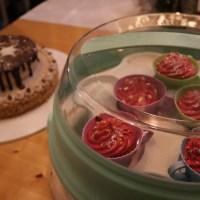 emsa myBAKERY Plus Kuchenbehälter und CupCake Transportbox mit Etagere die so viel mehr kann! #emsa #mybakeryPlus #Kitchen