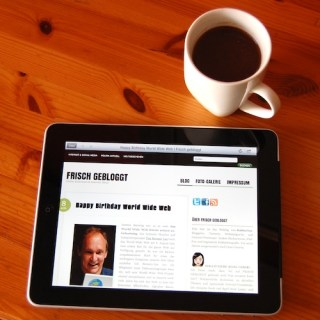 Frühstück mit iPad (Foto: Frisch-gebloggt.de)