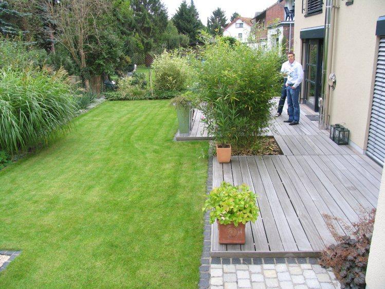 Hausgarten mit mediterraner Gestaltung