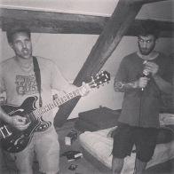 Frisek band 🎸🎶🔥♠️💯Solo guitarist @kbgh and vocals/harmonica by Mael #frisek #frisekband #rocknroll #surfrock #rockabilly #punk