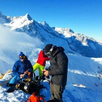 Split boarding #frisek #frisekteam #splitboard #freeride #snowboard #suisse #schweiz #switzerland