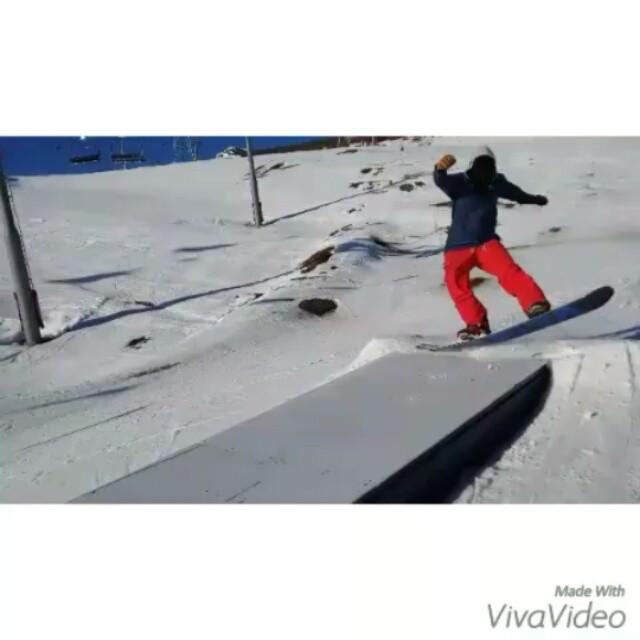 Christmas day edit - good shred day #frisek #frisekteam #snowboard #suisse #cransmontana #nowinter #snow #shred