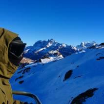 Beau temps belle neige @dubois.mael 📷@guillaumefsk #frisek #champerylescrosets #portesdusoleil #snowboard